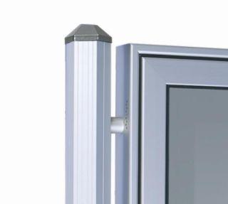 Ständerpaar aus Aluminium Sechseckrohr  mit gewölbten Abdeckkappen, zum Einbetonieren.